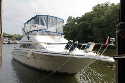 ENDED – Bid LIVE or ON-LINE – 1992 Sea Ray 350 Express Cruiser