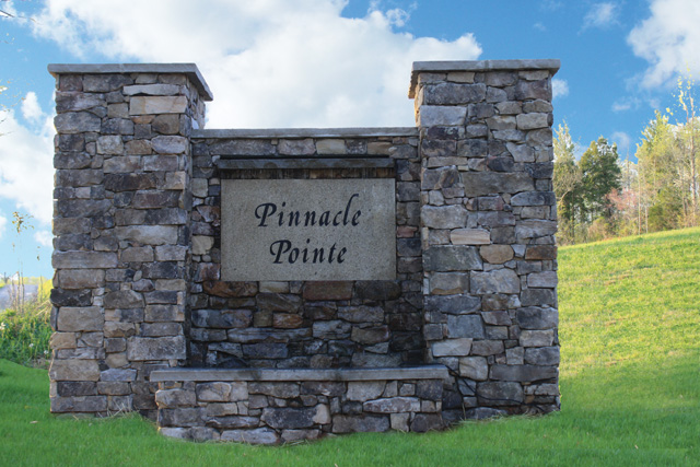 SOLD – Absolute Auction – 12 Lots in Pinnacle Pointe S/D Overlooking Norris Lake