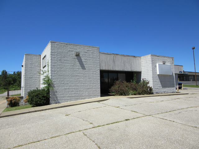 SOLD – Absolute Auction – 2,300+ sq. ft. Commercial Building