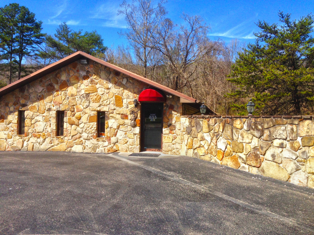 SOLD – Absolute Real Estate Auction, Commercial Building in Central Harriman
