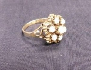 J - 18K Gold Ring with Seven Stones 2