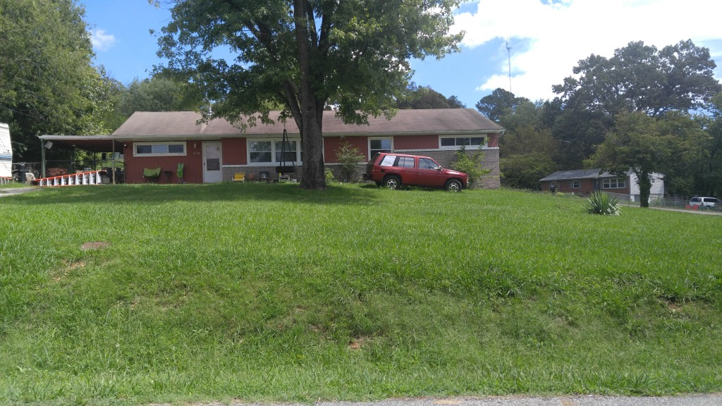 SOLD – Sale 2 – Court Ordered Real Estate Auction – 1608 Wandering Road, Knoxville