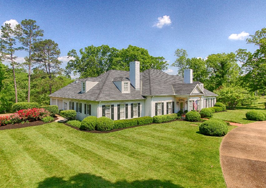ENDED – ABSOLUTE REAL ESTATE & PERSONAL PROPERTY AUCTION – SPLENDID PRIVATE EQUESTRIAN ESTATE WITH CUSTOM GEORGIAN HOME
