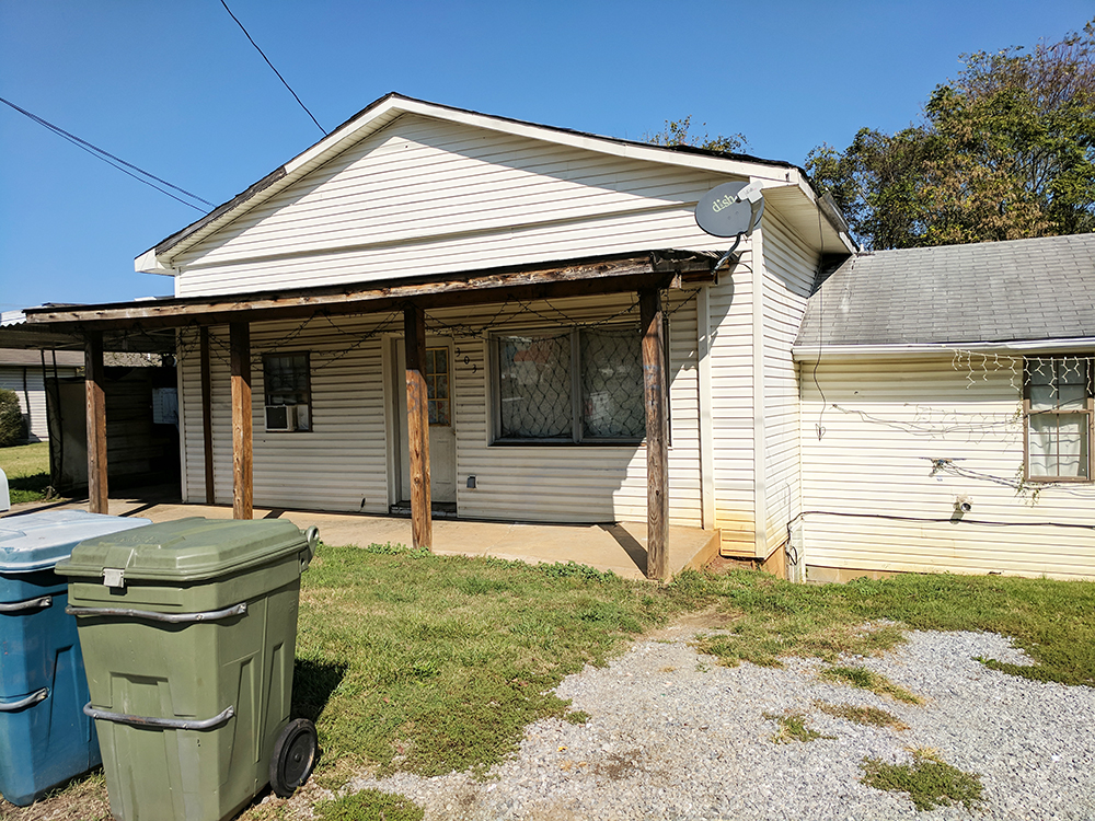 Property 21 – Foreclosure Real Estate Auction By Order of Secured Party – 303 Cleveland Ave., Morristown, TN