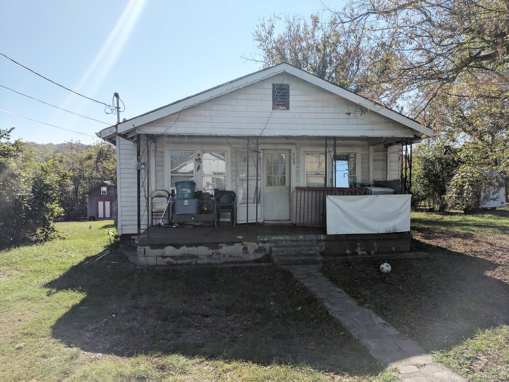 Property 28 – Foreclosure Real Estate Auction By Order of Secured Party – 409 W. Charles St., Morristown, TN