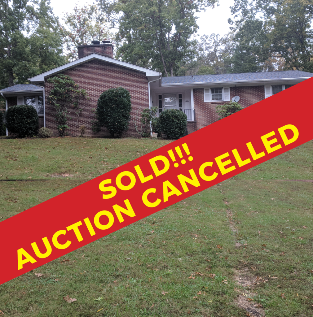 SOLD – AUCTION CANCELLED: Absolute Real Estate Auction – Brick Basement Rancher in the Heart of Maryville