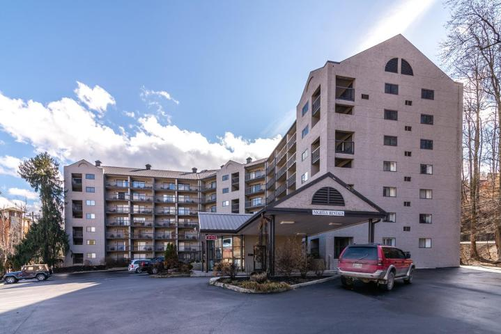 Absolute Real Estate Auction – Four Income Producing Condominiums in Olde Gatlinburg Place