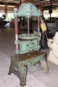Manhattan Screw Press