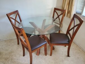 Lot 4 Table & Chairs
